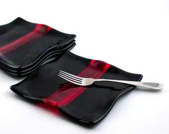 Black and Red Fused Glass Plates, Dessert Plate Set of 2, Square Dinner Plates, Modern Design, Serveware, Unique Wedding Gift for Couples