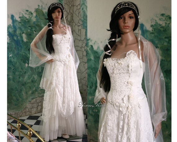 Ethereal modern romantic wedding gown with french lace for Romantic ethereal wedding dresses