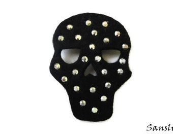 Felt brooch-brooch felt-felt pin-felt skull brooch-skull brooch-accessories brooch-felt jewelry-felt accessories-black skull brooch