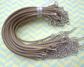 30pcs 3mm 7-9 inch adjustable khaki  suede leather bracelet with white k  fitting