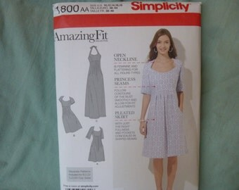 Simplicity 1800: Women's AmazingFit Dress with variations