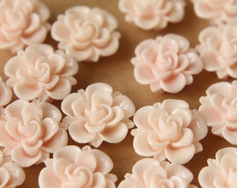 10 pc. Pale Pink Flower Cabochons 19mm   RES-477