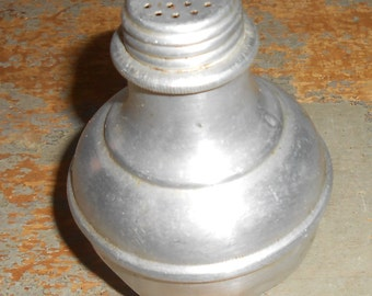 Vintage Salt & Pepper Shaker, Metal, Aluminum, Weighted, Tip Proof, Primitive