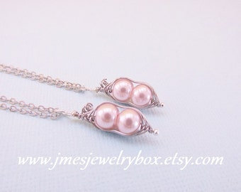 Two peas in a pod best friend necklace set - Pink