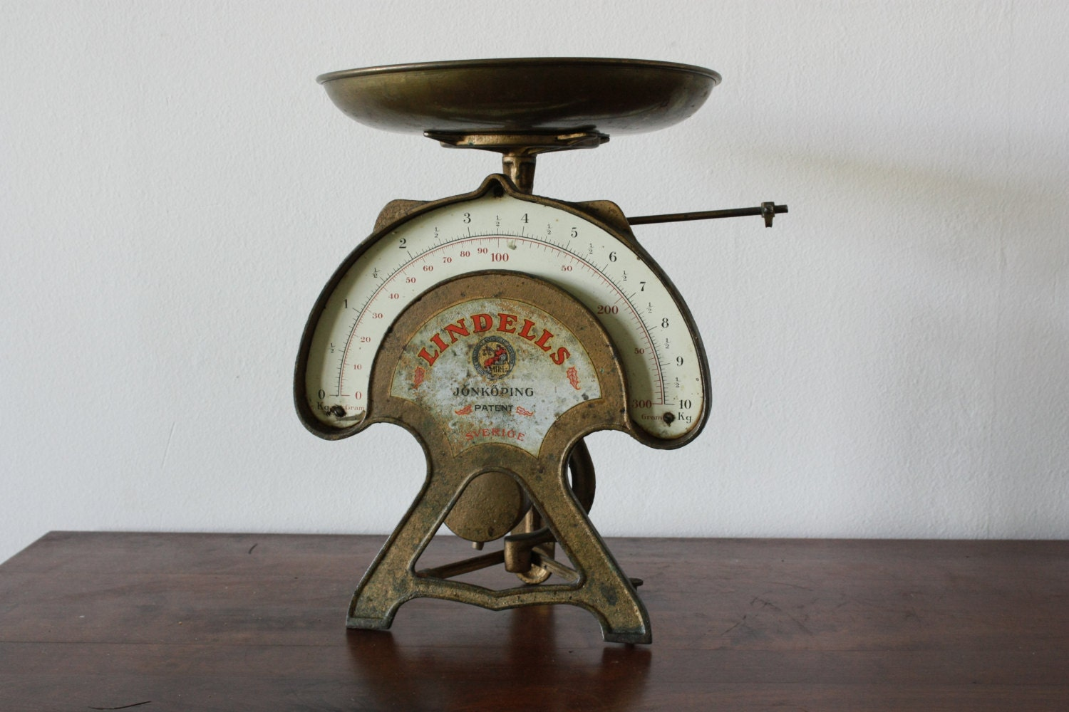Vintage swedish kitchen scales vintage scale lindell 39 s - Retro vintage ...