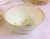 New Chelsea Sugar Bowl, Creamy Lemon with Pretty Flowers