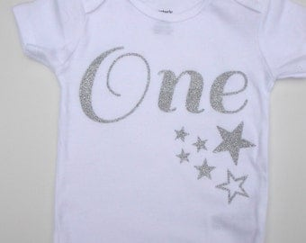 Silver Glitter One Bodysuit - Silver One Birthday Outfit - 1 st birthday Bodysuit - Cake smash Silver Birthday - Silver One With Stars