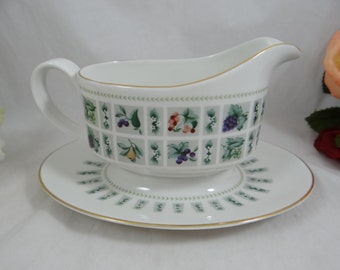 "Vintage Royal Doulton English Bone China Gravy Boat ""Tapestry"" Pattern - Wedding Bridal"