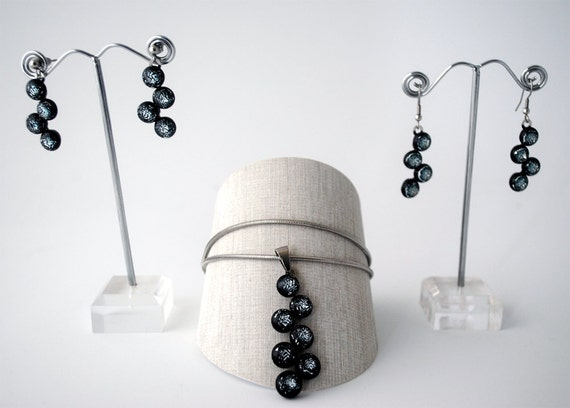 Glassberry Earring or Necklace Black