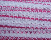 Eyelet knitting in lace - white with cerise trim