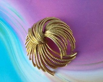 vintage brooch pin jewelry costume signed