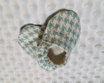 Houndstooth baby shoes, soft sole baby shoes, infant baby shoes, Houndstooth print baby shoes, baby boy  crib shoes