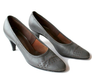 SALE 30% off | 1980s Gray Heels Vintage Leather Heels Size 7.5