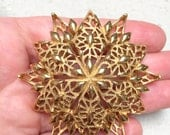 Large Monet Star Brooch (vintage retro 50s 60s signed gold tone snowflake big christmas holiday stocking stuffer present metal pretty layer)