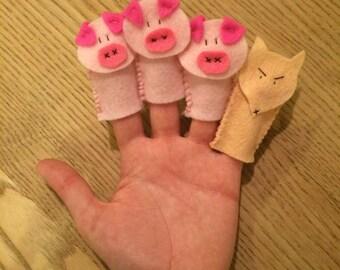 Three little pigs finger puppets set