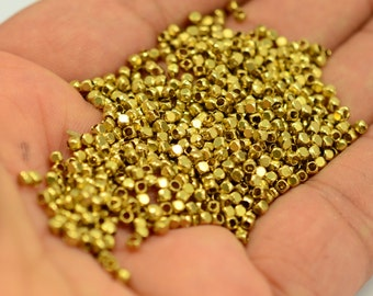 100 Pieces Raw Brass 2.5x2.5x2.5 mm Square Industrial Brass Bead ( İnside Diameter 1.5 mm )