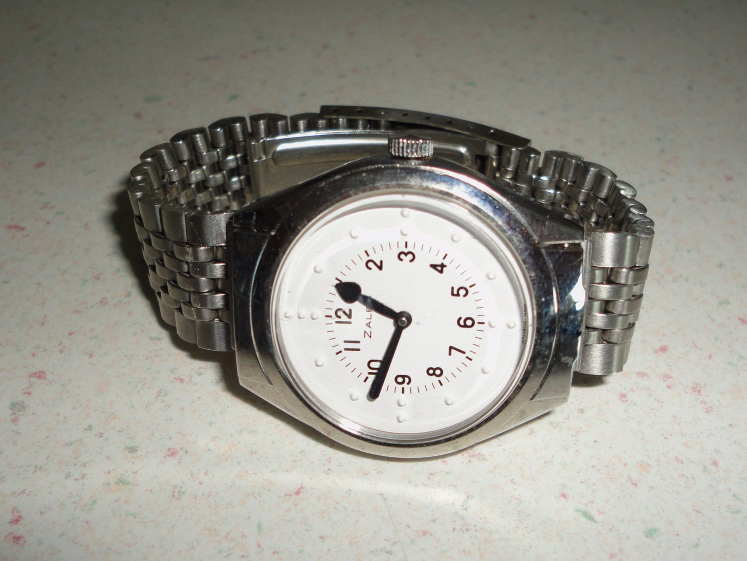 Zales braille watch for blind men 39 s watch with flip top for Watches zales