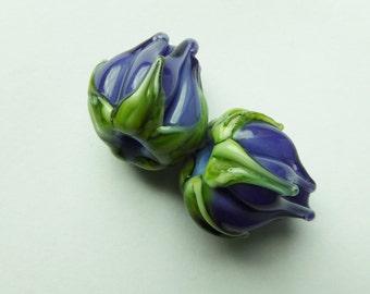 Purple flowerbuds handmade lampwork beads.