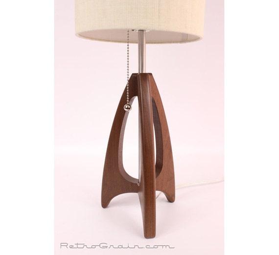 tripod table lamp mid century style danish modern. Black Bedroom Furniture Sets. Home Design Ideas