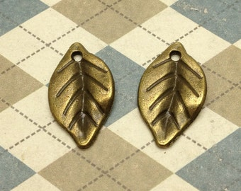 50 pcs Antique Bronze Leaf Charms 14mmx23mm