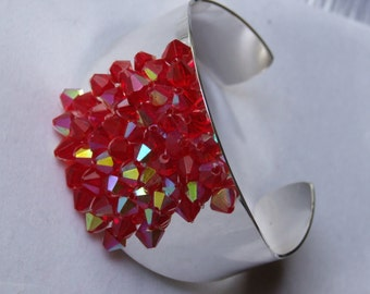 Silver cuff with 6mm red bicones 0075sb
