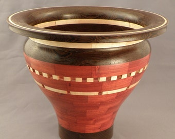 Segmented Vase 'Alvaraes'