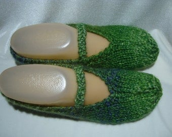 Knitted Slippers Green, Women, Handmade Soft, Gift Accessory, House Slippers, Bed Slippers, Medium Size, Machine Wash and Dry, Ready to Ship