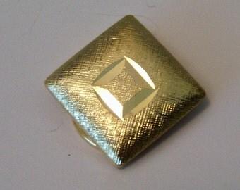 Diamond Shape Scarf Clip In Gold Tone