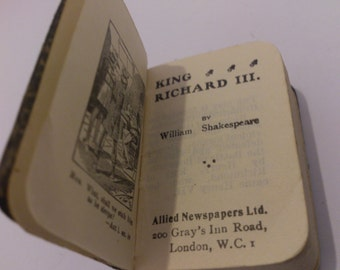 Vintage Miniature book Richard the third by William Shakespeare