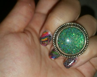 Sparkly Green nail polish ring