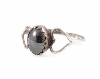 Hematite and Silver Tone Heart Ring - Size 7