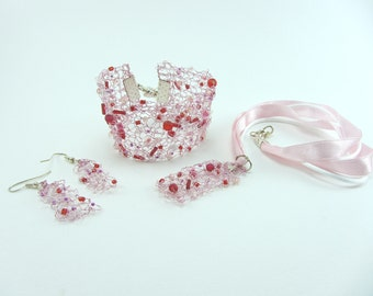 Pink knitted wire jewellery set, Hand knitted necklace, Hand knitted bracelet, Jewellery