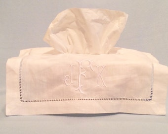 Monogrammed tissue box cover, linen tissue box cover, embroidered tiasue box cover