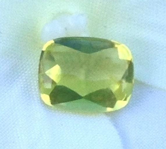 Smooth Top Beryl 1.85 Carat 7x9mm Natural Chartreuse Gemstone Idar Cut