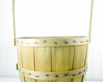 Vintage Basket, fruit basket, farm item,farmhouse kitchen,  gathering basket,peach, orchard basket, wood container,vegetable basket