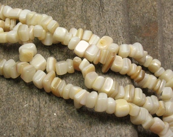 "Mother of Pearl Chip Beads - 36"" Strand - Item B0371"