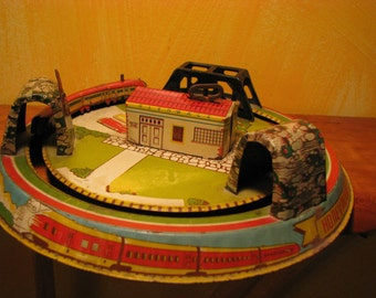Vintage Marx Honeymoon Express Windup Train