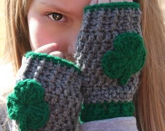 Shamrock Mittens / St Patrick's Day Mittens / Gray Fingerless Mittens / Irish Proud Mittens