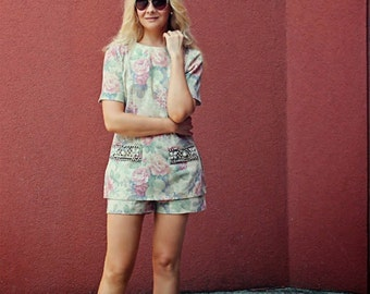 FREE SHIPPING / A SET of shorts and tunic