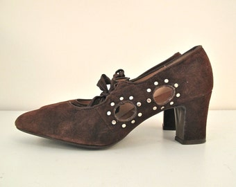 1960s Mary Janes w/ Side Cutouts