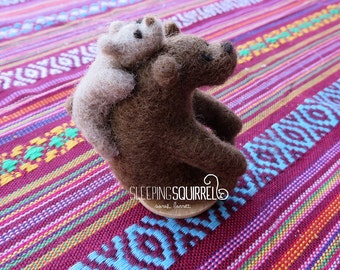 Needle Felt Mama Bear And Cub/Brown And Beige Bears/Animal Sculptures/Decoration