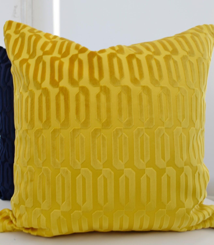 housse de coussin jaune velours jaune couverture coussin. Black Bedroom Furniture Sets. Home Design Ideas