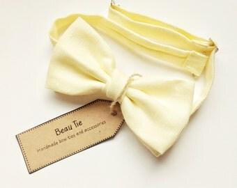 mens bow tie lemon yellow, yellow bow tie, linen bow tie, mens yellow bow tie, pale yellow