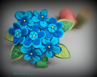 Blue flower felt pincushion bracelet, pincushions , felt pin cushion,  sewing materials, gifts for mom, blue pincushion, flower pin cushion