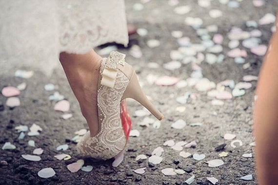 Custom lace wedding shoes (Luxury package)
