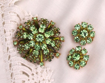 Vintage Brooch and Earring Set in Green and Gold Large Costume Jewelry