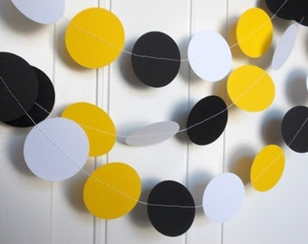 Party Paper Circle Garland Yellow Black & White Decoration Party Decor 12 Ft., Ships in 2-3 Business Days.