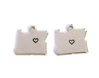 2x Silver Plated Oregon State Charms w/ Hearts - M070/H-OR