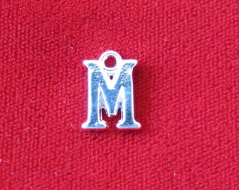 "BULK! 30pc ""M"" charms in silver style (BC685B)"
