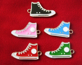 "5pc ""sneakers"" charms in enamel silver style (BC698)"